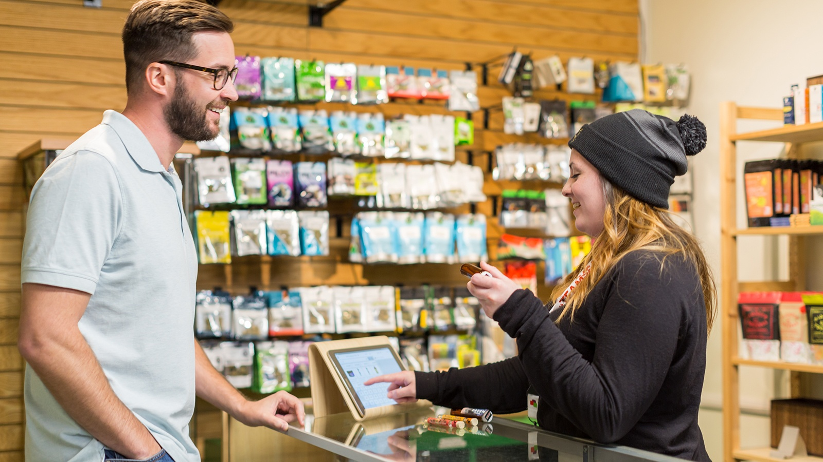 4_Key_Roles_to_Fill_at_Your_Cannabis_Retail_Operation.jpg