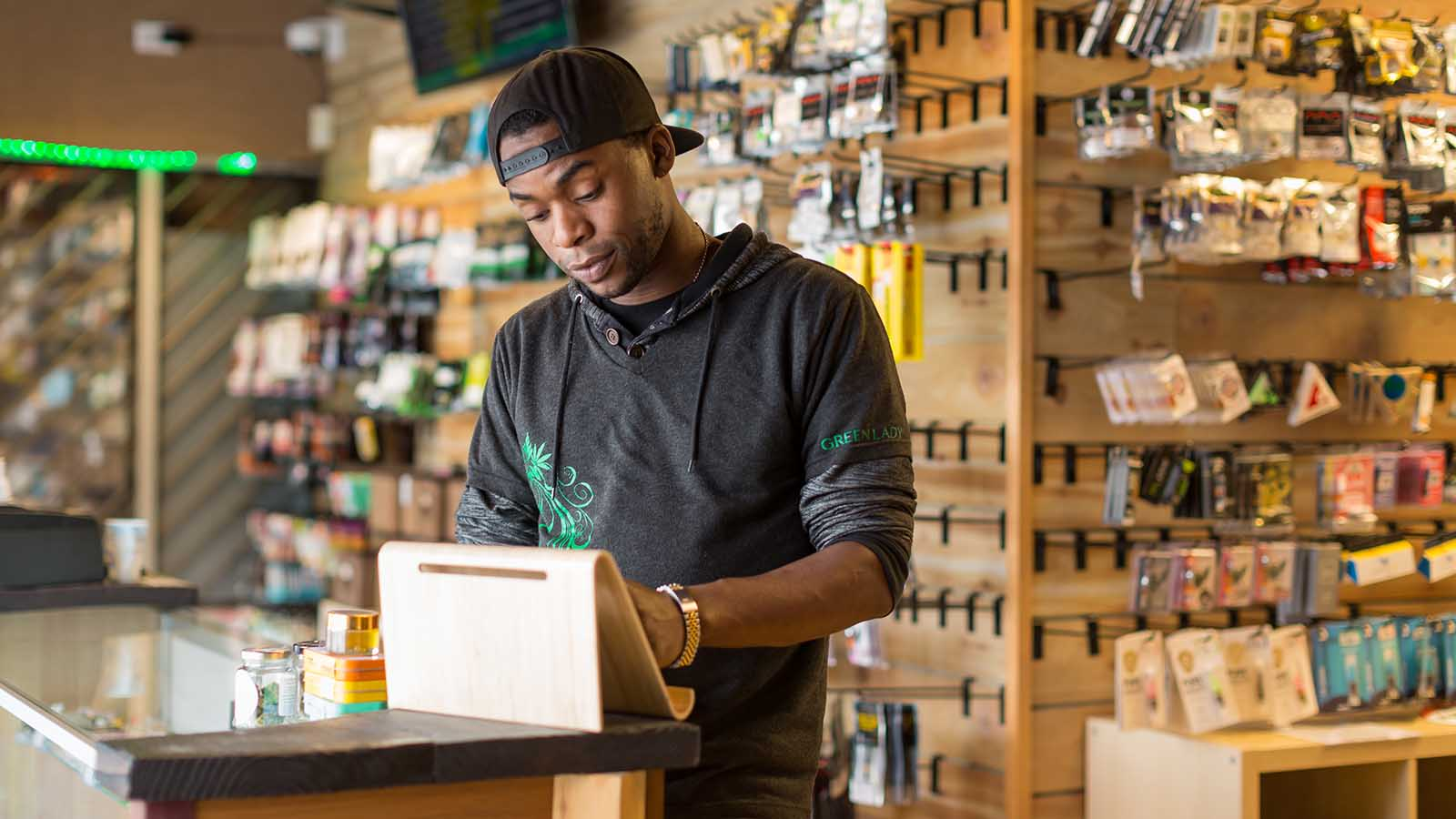 cannabis dispensary manager job description key responsibilities